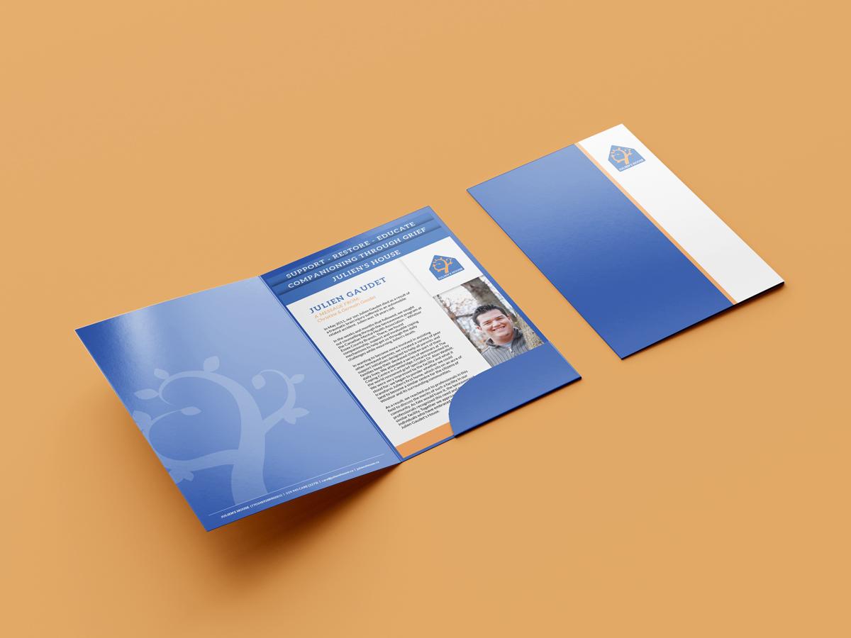 Julien's House Presentation Folder